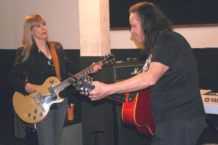 Donovan and Carla Olson rehearse.